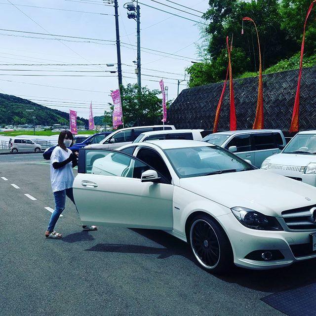 【Instagram】どこかで見たことあるような、ないような彼氏に乗らされてる車ですか??#飛び込み の#お客様 #でも #ok #車検 #custom #車の #ことなら #株式会社tatsuma #高知中古車 #タツノコモータース #車が変われば人生が変わる #車で遊びに行きたいな #車を楽しむ人は人生を楽しむ人