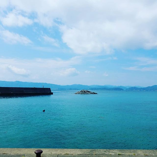 【Instagram】#久々に #釣り #おかっぱり #青い海 #青い空 #車で遊びに行きたいな #車が変われば人生が変わる #車を楽しむ人は人生を楽しむ人 #株式会社tatsuma #タツノコモータース